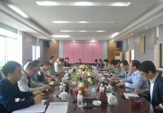 自治區政協常委,來賓市政協主席韋善國一行到紅河制糖調研