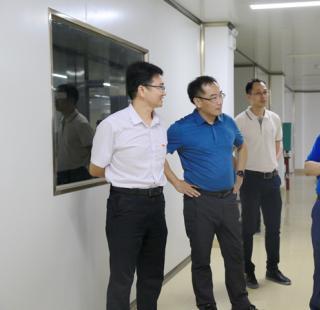 市委常委、组织部部长黄学军莅临昌菱制糖调研朗姆酒项目